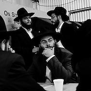 New York - Brooklyn.  The Lubavitch, jewish chassidim sect. Ohel Chabad Lubavitch, The Ohel  is where the Lubavitcher Rebbe, Rabbi Menachem M. Schneerson, in Brooklyn.  prayers writing / les lubavitch, secte juive. ceremonie anniverssaire de la mort du Rabbi Menachem M. Schneerson au cimetiere, Ohel Chabad Lubavitch.  Brooklyn. ecriture des prieres
