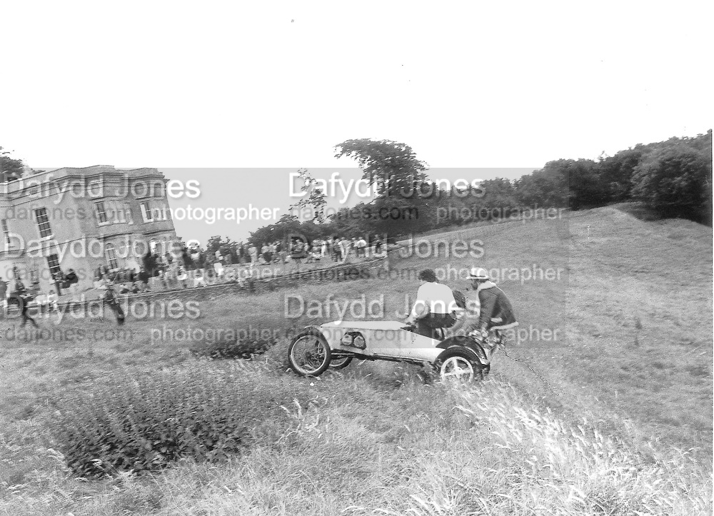 Dangerous Sports Club Tea party. Robert Fack (Dutch Ambassadors House. 1981© Copyright Photograph by Dafydd Jones 66 Stockwell Park Rd. London SW9 0DA Tel 020 7733 0108 www.dafjones.com