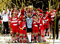 Fotball<br /> Tyskland<br /> 19.04.2008<br /> Foto: Witters/Digitalsport<br /> NORWAY ONLY<br /> <br /> Jubel Torwart Oliver Kahn FCB mit Pokal, FC Bayern Muenchen DFB Pokalsieger 2008<br /> <br /> DFB-Pokal Finale Borussia Dortmund - FC Bayern München