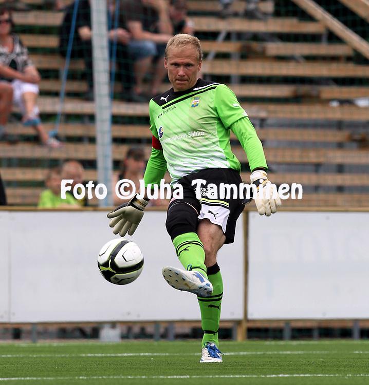 8.7.2012, Saviniemen stadion, Myllykoski, Kouvola..Veikkausliiga 2012..Myllykosken Pallo-47 - Kuopion Palloseura..Antti Kuismala - MYPA