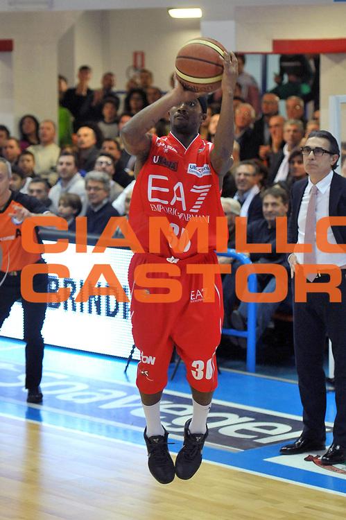DESCRIZIONE : Brindisi Lega A 2012-13 Enel Brindisi EA7 Emporio Armani Milano<br /> GIOCATORE : Marques Green<br /> CATEGORIA : Tiro<br /> SQUADRA :  EA7 Emporio Armani Milano<br /> EVENTO : Campionato Lega A 2012-2013 <br /> GARA : Enel Brindisi EA7 Emporio Armani Milano<br /> DATA : 13/01/2013<br /> SPORT : Pallacanestro <br /> AUTORE : Agenzia Ciamillo-Castoria/V.Tasco<br /> Galleria : Lega Basket A 2012-2013  <br /> Fotonotizia : Brindisi Lega A 2012-13 Enel Brindisi EA7 Emporio Armani Milano<br /> Predefinita :