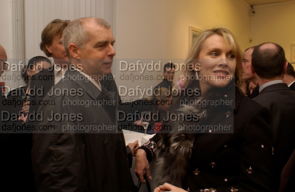 Neil Tennant and Louise Fennell ( Mrs. Theo Fennell) , Private view of 40 limited edition prints especially created by Howard Hodgkin for Elton John AIDS Foundation, Alan Christea Gallery, 6 February 2003. All proceeds from the evening benefit Elton John AIDS Foundation.© Copyright Photograph by Dafydd Jones 66 Stockwell Park Rd. London SW9 0DA Tel 020 7733 0108 www.dafjones.com