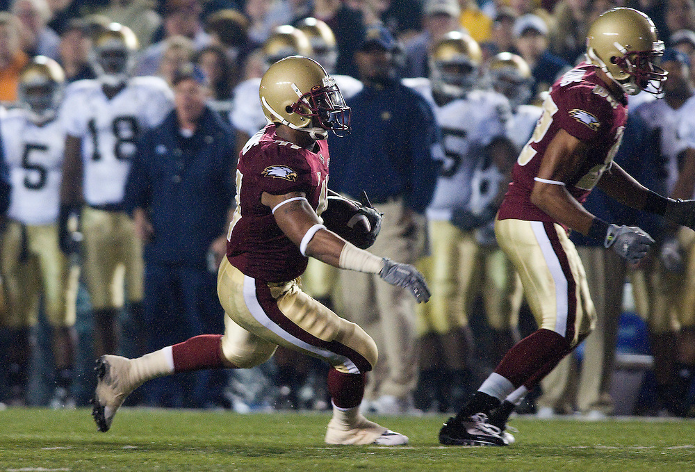 08 November 2008: Eagles wide receiver Justin Jarvis #82 blocks as running back Montel Harris #41 runs the ball as during the during the Boston College Eagles win 17-0 over the Notre Dame Fighting Irish at Alumni Stadium in Chestnut Hill, MA.