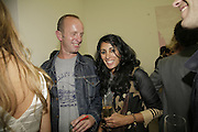 Johnnie Shand Kydd and Serena Rees, Johnnie Shand Kydd:  book launch party celebrate the publication of Crash.White Cube. Hoxton sq. London. 18 September 2006. ONE TIME USE ONLY - DO NOT ARCHIVE  © Copyright Photograph by Dafydd Jones 66 Stockwell Park Rd. London SW9 0DA Tel 020 7733 0108 www.dafjones.com