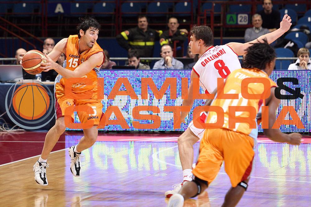 DESCRIZIONE : Milano Lega A1 2007-08 Armani Jeans Milano Solsonica Rieti<br /> GIOCATORE : Mario Gigena<br /> SQUADRA : Solsonica Rieti<br /> EVENTO : Campionato Lega A1 2007-2008<br /> GARA : Armani Jeans Milano Solsonica Rieti<br /> DATA : 13/01/2008<br /> CATEGORIA : Palleggio<br /> SPORT : Pallacanestro<br /> AUTORE : Agenzia Ciamillo-Castoria/S.Ceretti<br /> Galleria : Lega Basket A1 2007-2008<br /> Fotonotizia : Milano Campionato Italiano Lega A1 2007-2008 Armani Jeans Milano Solsonica Rieti<br /> Predefinita :