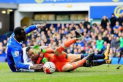 Everton's Romelu Lukaku collides with Arsenal's David Ospina   - Mandatory byline: Matt McNulty/JMP - 19/03/2016 - FOOTBALL - Goodison Park - Liverpool, England - Everton v Arsenal - Barclays Premier League