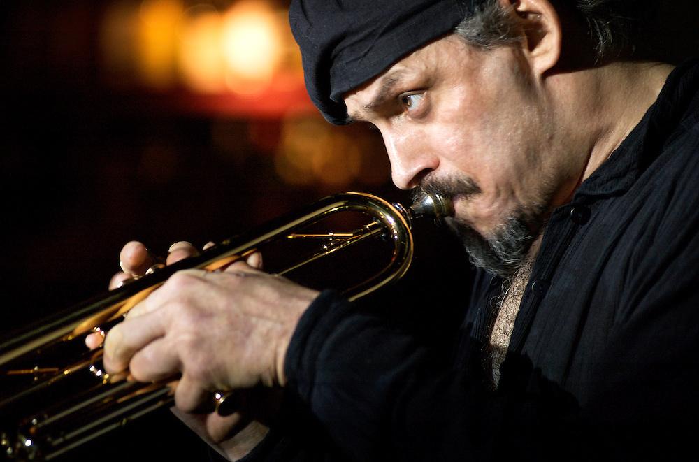 Jerry Gonzalez, trompetista de jazz latino en la sala Taboo de MAdrid.