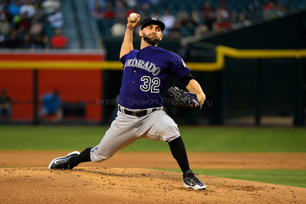 Apr 29, 2016; Phoenix, AZ, USA; Colorado Rockies starting pitcher Tyler Chatwood (32) delivers a pitch during the first inning against the Arizona Diamondbacks at Chase Field. Mandatory Credit: Jennifer Stewart-USA TODAY Sports
