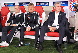 23.10.2012, Grand Stade Lille Metropole, Lille, OSC Lille vs FC Bayern Muenchen, im Bild auf der Bank Hermann GERLAND, Co-Trainer Peter HERRMANN (FC Bayern Muenchen), Trainer Jupp HEYNCKES (FC Bayern Muenchen) // during UEFA Championsleague Match between Lille OSC and FC Bayern Munich at the Grand Stade Lille Metropole, Lille, France on 2012/10/23. EXPA Pictures © 2012, PhotoCredit: EXPA/ Eibner/ Ben Majerus..***** ATTENTION - OUT OF GER *****