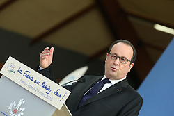 "29.03.2016, Paris, FRA, UEFA Euro, Hollande, 11 Tricolore, La France au rendez vous, im Bild der Staatspräsident der Französischen Republik Francois Hollande // during a visit at the INSEP or French National Institute of Sport and Physical Education, as part of the event ""11 Tricolore, La France au rendez- vous"" in Paris, France on 2016/03/29. EXPA Pictures © 2016, PhotoCredit: EXPA/ Pressesports/ Laurent Argueyrolles<br /> <br /> *****ATTENTION - for AUT, SLO, CRO, SRB, BIH, MAZ, POL only*****"