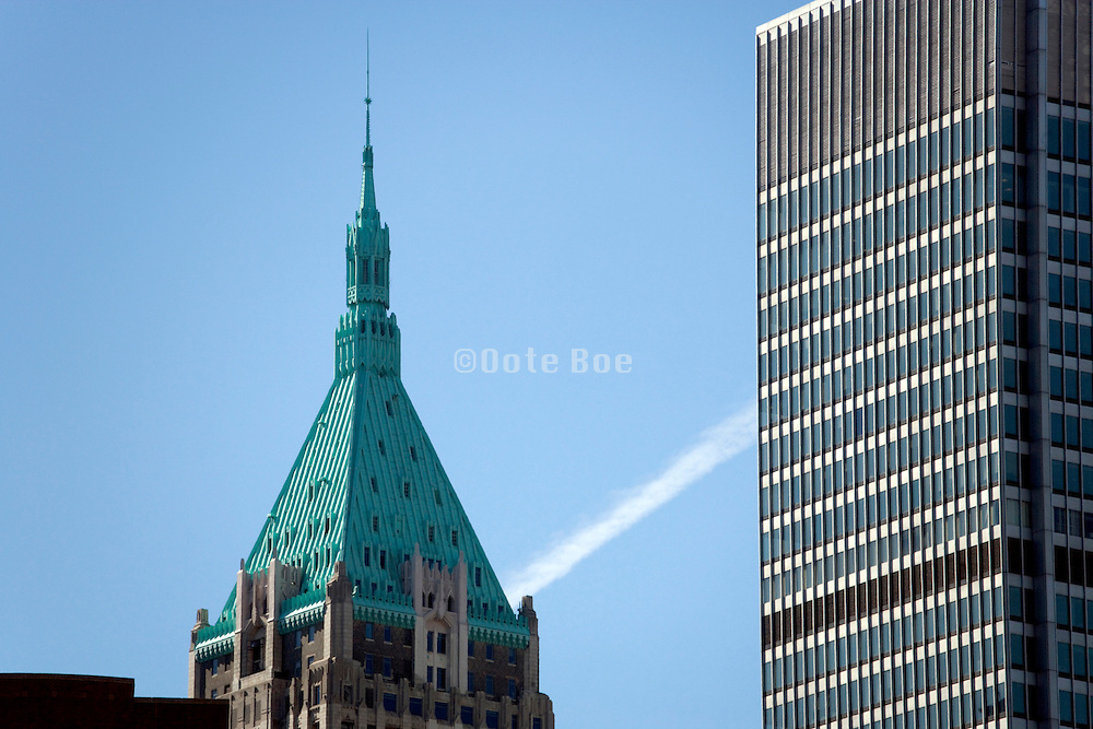 old and new architecture in downtown New York City