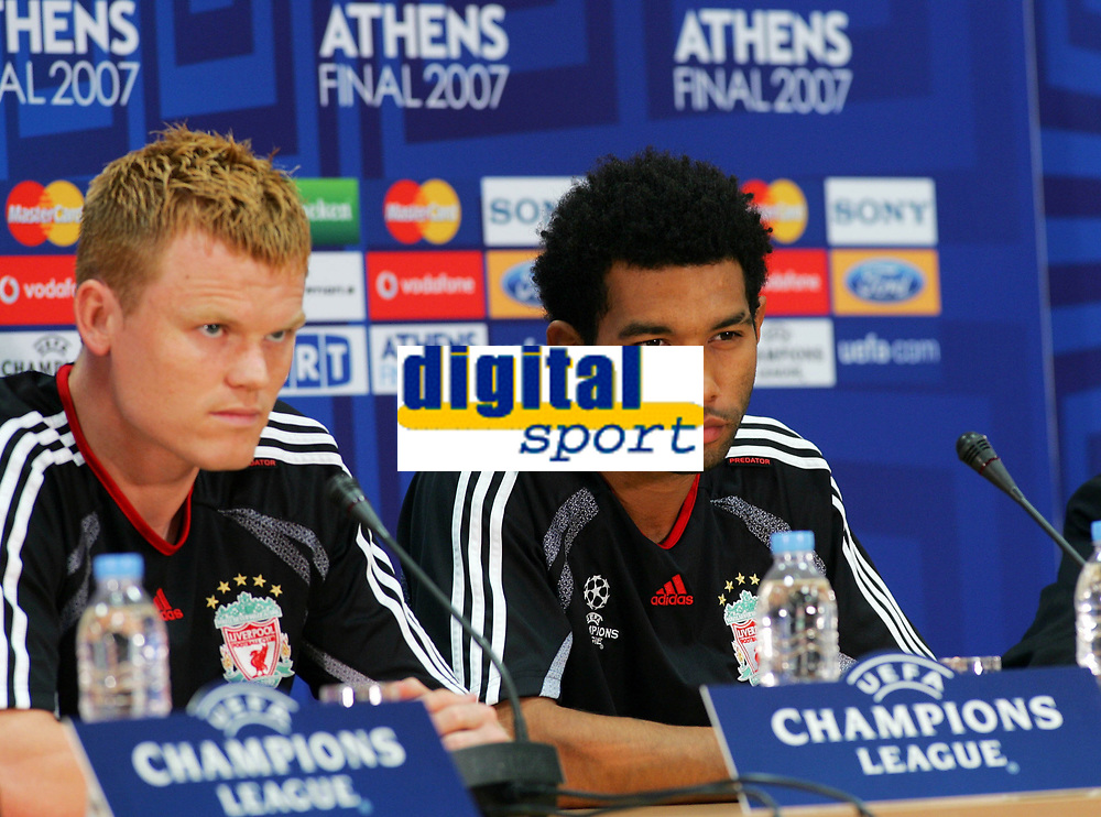 Fotball<br /> Foto: Propaganda/Digitalsport<br /> NORWAY ONLY<br /> <br /> Athens, Greece - Tuesday, May 22, 2007: Liverpool's John Arne Riise and Jermaine Pennant at a press conference at the OACA Spyro Louis Olympic Stadium ahead of the UEFA Champions League Final against AC Milan<br /> <br /> John Arne Riise - Liverpool