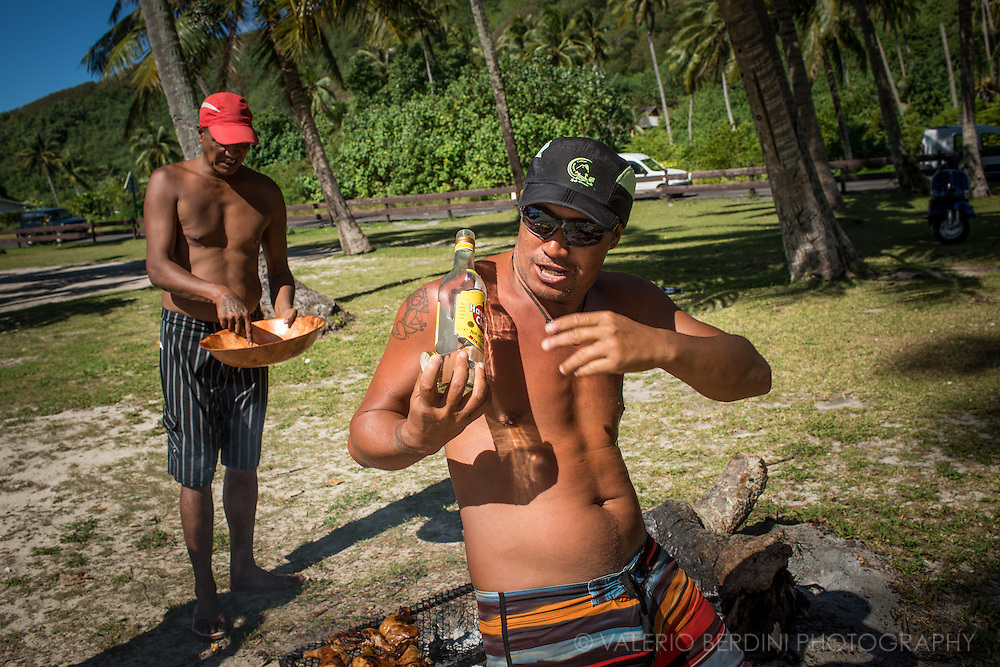 Far from tropical beaches and tourist's resorts, life for the locals in Polynesia can be boring. Lack of opportunities increases the time people spend drinking alcohol, getting drunk banketing with traditional food in the open air.
