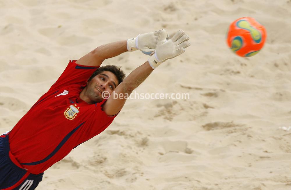 Football-FIFA Beach Soccer World Cup 2006 - Group D-Bahrain - Argentina, Beachsoccer World Cup 2006. Argentina's Salguero - Rio de Janeiro - Brazil 04/11/2006<br /> Mandatory credit: FIFA/ Manuel Queimadelos