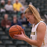 5th year forward Charlotte Kot (1) of the Regina Cougars in action during the home opener  on November  4 at Centre for Kinesiology, Health and Sport. Credit: /Arthur Images