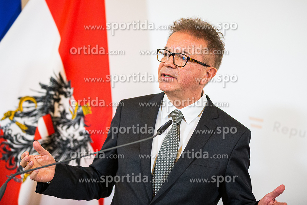 15.01.2020, Bundeskanzleramt, Wien, AUT, Bundesregierung, Pressefoyer nach Sitzung des Ministerrats, im Bild Rudolf Anschober (Gruene)// during media briefing after cabinet meeting at the federal chancellery in Vienna, Austria on 2020/01/15. EXPA Pictures © 2020, PhotoCredit: EXPA/ Florian Schroetter
