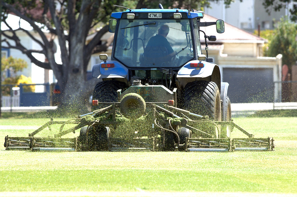 Tractor grass mowing, parks, sports grounds, Wellington, New Zealand, Wednesday, February 07, 2007.  Credit:SNPA / Ross Setford