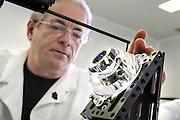 Reportage entreprise Gaggione industrie plasturgique, spécialisée dans les lentilles et optiques, mars 2012