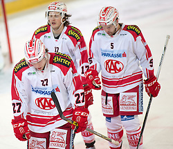 19.02.2016, Tiroler Wasserkraft Arena, Innsbruck, AUT, EBEL, HC TWK Innsbruck die Haie vs EC KAC, Qualifikationsrunde, im Bild Thomas Hundertpfund (EC KAC), Manuel Ganahl (EC KAC), Jason Desantis (EC KAC)// during the Erste Bank Erste Bank Icehockey qualification round match between HC TWK Innsbruck  die Haie and EC KAC at the Tiroler Wasserkraft Arena in Innsbruck, Austria on 2016/02/19. EXPA Pictures © 2016, PhotoCredit: EXPA/ Jakob Gruber