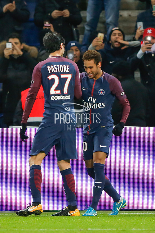 Neymar da Silva Santos Junior - Neymar Jr (PSG) scored a goal and celebrated it with Javier Matias Pastore (psg) during the French Championship Ligue 1 football match between Paris Saint-Germain and ESTAC Troyes on November 29, 2017 at Parc des Princes stadium in Paris, France - Photo Stephane Allaman / ProSportsImages / DPPI