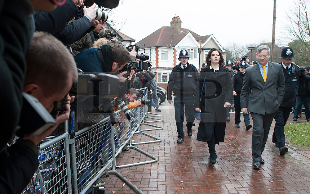 ©  London News Pictures. 04/12/2013. London, UK. Television cook, NIGELLA LAWSON arriving at Isleworth Crown Court in London where she is due to give evidence in the trial of two former personal assistants who worked for her and Charles Saatchi. Italian Sisters Elisabetta and Francesca Grillo are accused of misappropriating funds while working for Saatchi and Lawson. Photo credit : Ben Cawthra/LNP