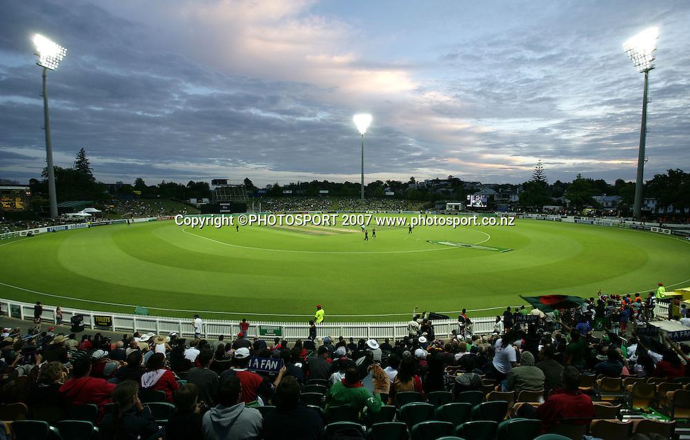 A general view of Seddon Park. New Zealand XI v Bangladeshis. Bangladesh Cyclone Relief Fund match. Seddon Park, Hamilton, New Zealand. Sunday 23 December 2007. Photo: Hagen Hopkins/PHOTOSPORT