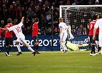 Fotball  , 26. mars 2011 , EM-kvalifisering<br /> Norge - Danmark<br /> <br /> Euro-qual.<br /> Norway - Denmark<br /> Dennis Rommedahl , Danmark  scorer her på et langskudd