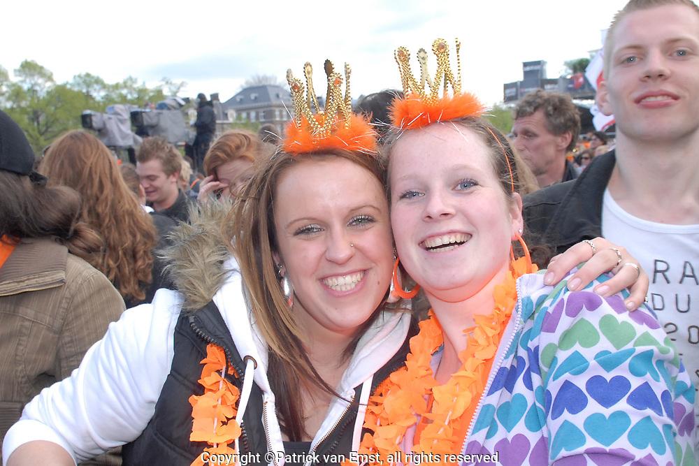 Koninginnedag 2008 - Museumplein Amsterdam BACKSTAGE.<br /> <br /> Het grootste Koninginnedag bijeenkmost op het Museumplein in Amsterdam georganiseerd door Radio 538.<br /> <br /> Op de foto: