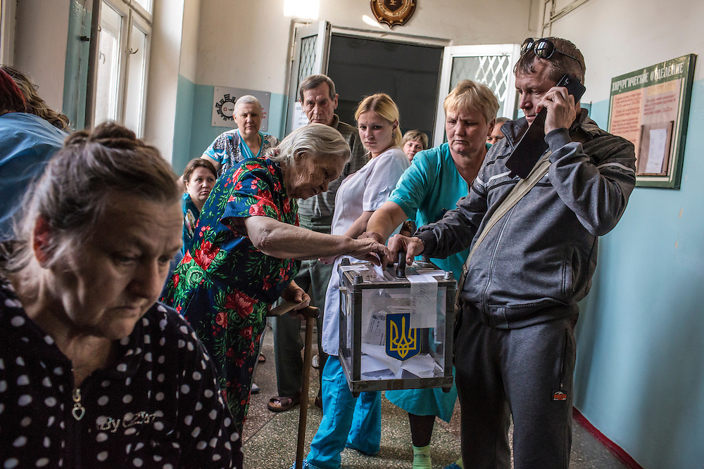 MARIUPOL, UKRAINE - MAY 11: Patients at a hospital cast ballots in a referendum on May 11, 2014 in Mariupol, Ukraine. A referendum on greater autonomy  is being held after pro-Russian activists took over at least ten cities in the eastern part of the country. (Photo by Brendan Hoffman/Getty Images) *** Local Caption ***