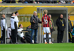 15.02.2014, Signal Iduna Park, Dortmund, GER, 1. FBL, Borussia Dortmund vs Eintracht Frankfurt, 21. Runde, im Bild Trainer Armin Veh (Eintracht Frankfurt) im Gespraech mit Stefan Aigner (Eintracht Frankfurt #16) // during the German Bundesliga 21th round match between Borussia Dortmund and Eintracht Frankfurt at the Signal Iduna Park in Dortmund, Germany on 2014/02/15. EXPA Pictures © 2014, PhotoCredit: EXPA/ Eibner-Pressefoto/ Schueler<br /> <br /> *****ATTENTION - OUT of GER*****