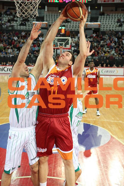 DESCRIZIONE : Roma Lega A 2009-10 Basket Lottomatica Virtus Roma Air Avellino<br /> GIOCATORE : Andrea Crosariol<br /> SQUADRA : Lottomatica Virtus Roma<br /> EVENTO : Campionato Lega A 2009-2010<br /> GARA : Lottomatica Virtus Roma Air Avellino<br /> DATA : 25/10/2009<br /> CATEGORIA : tiro<br /> SPORT : Pallacanestro<br /> AUTORE : Agenzia Ciamillo-Castoria/G.Ciamillo