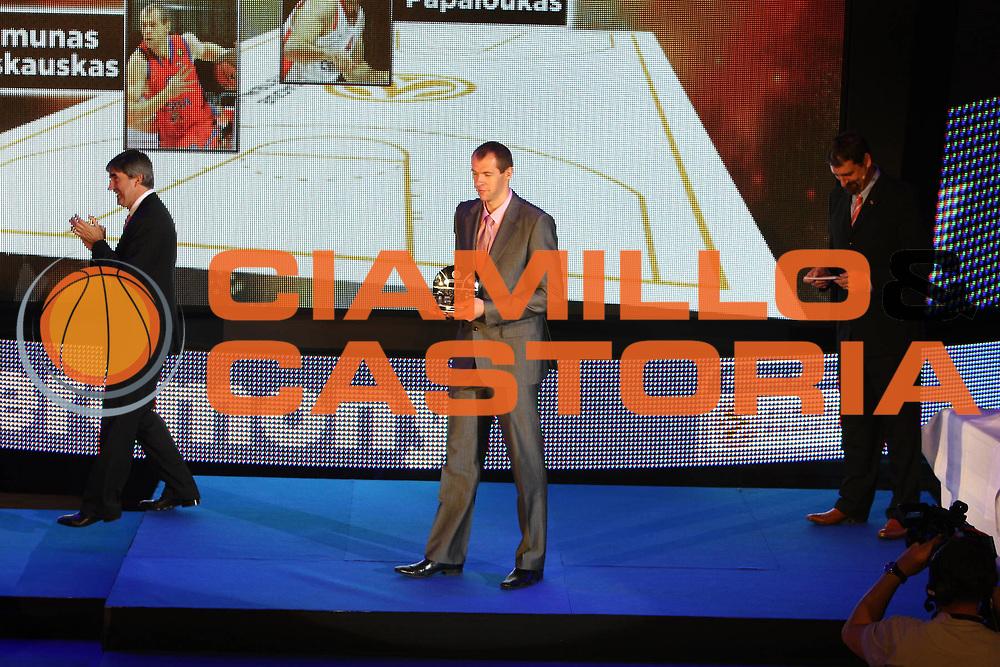 DESCRIZIONE : Berlino Eurolega 2008-09 Final Four Euroleague Gala Dinner Cena di Gala Basketball Awards Ceremony<br /> GIOCATORE : ramunas siskauskas <br /> SQUADRA : <br /> EVENTO : Eurolega 2008-2009<br /> GARA :<br /> DATA : 02/05/2009<br /> CATEGORIA : Ritratto Premiazione<br /> SPORT : Pallacanestro<br /> AUTORE : Agenzia Ciamillo-Castoria/G.Ciamillo