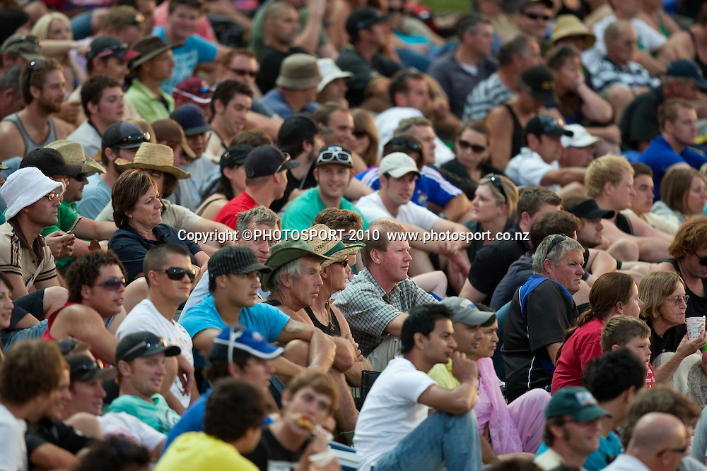 Crowd of fans on the bank watch during the third one day Chappell Hadlee cricket series match between New Zealand Black Caps and Australia at Seddon Park, won by Australia by 6 wickets in Hamilton, New Zealand. Tuesday 9 March 2010. Photo: Stephen Barker/PHOTOSPORT