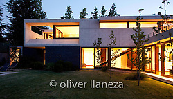 FOT&Oacute;GRAFO: Oliver Llaneza ///<br /> <br /> Casa Artigoitia dise&ntilde;ada por Raimundo Anguita