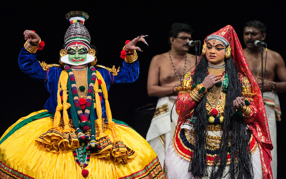 "Kalamandalam Mukundan (Krishna) and Kalamandalam Anil Kumar (Draupadi), Kerala Kalamandalam Kathakali Troupe, performing Dussasana Vadhom (""The Killing of Dussasana"") from the Mahabharata , part of Lincoln Center's White Light Festival"