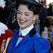 NLD/Amsterdam/20101010 - Premiere Sinterklaas en het Pakjes Mysterie, Veldhuizen als Mary Poppins