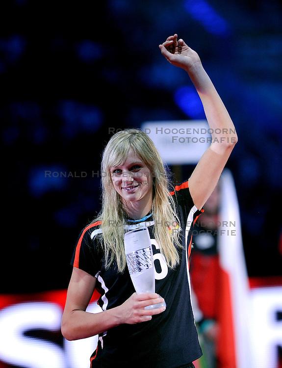 04-10-2009 VOLLEYBAL: FINALE EUROPEES KAMPIOENSCHAP NEDERLAND - ITALIE: LODZ <br /> De Nederlandse volleybalvrouwen zijn er niet in geslaagd om het goud te pakken. Italie was met 3-0 te sterk / Margareta Kozuch<br /> &copy;2009-WWW.FOTOHOOGENDOORN.NL