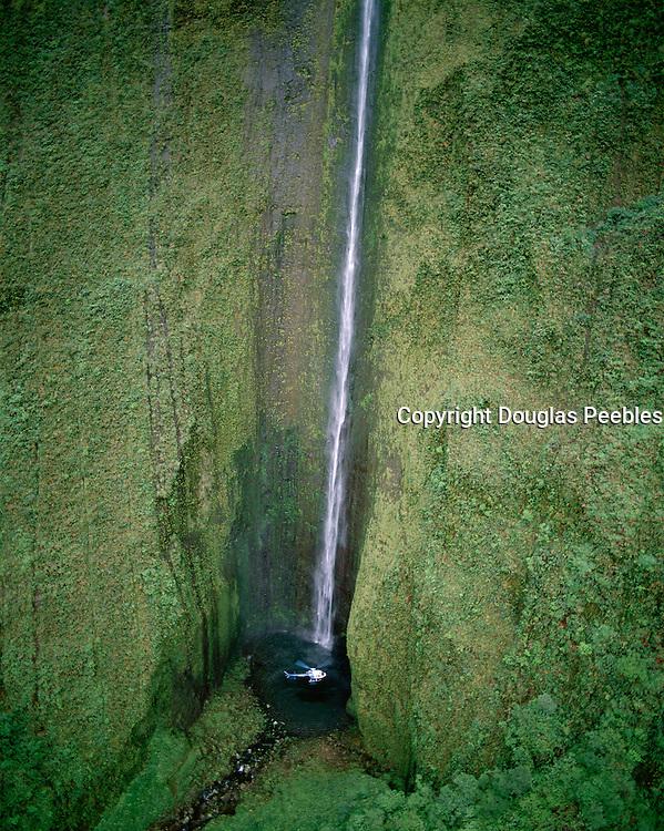 Helicopter, West Maui Mountains, Maui, Hawaii, USA<br />