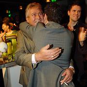 NLD/Amsterdam/20060315 - Uitreiking Edison 2006, Jan Smit en manager Jaap Buys feliciteren elkaar
