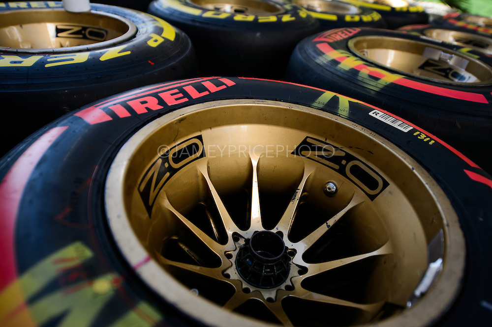 October 8, 2015: Russian GP 2015: Pirelli dry tires