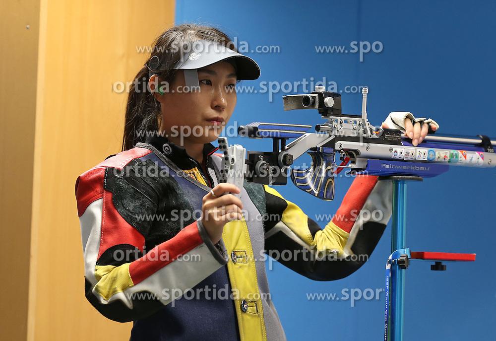 05.09.2015, Olympia Schiessanlage Hochbrueck, Muenchen, GER, ISSF World Cup 2015, Gewehr, Pistole, Damen, 10 Meter Luftgewehr, im Bild Binbin Zhang (CHN) konzentriert sich // during the women's 10M air rifle competition of the 2015 ISSF World Cup at the Olympia Schiessanlage Hochbrueck in Muenchen, Germany on 2015/09/05. EXPA Pictures &copy; 2015, PhotoCredit: EXPA/ Eibner-Pressefoto/ Wuest<br /> <br /> *****ATTENTION - OUT of GER*****