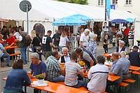 Mannheim. 15.07.17 | Neue Kerwe In Wallstadt<br /> Wallstadt. Marktplatz am Rathaus. Die Neue Kerwe. Mit buntem Programm. Er&ouml;ffnung am Samstag Mittag.<br /> &bdquo;Die Neue Kerwe&ldquo; &ndash; Stadtteilfest&ldquo; steht unter dem Motto:<br /> &bdquo;Gege Hunger un Doascht helfe Bier und Woascht&ldquo;.<br /> <br /> BILD- ID 0105 |<br /> Bild: Markus Prosswitz 15JUL17 / masterpress (Bild ist honorarpflichtig - No Model Release!)