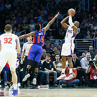 07 November 2016: Los Angeles Clippers guard Chris Paul (3) takes a jump shot over Detroit Pistons guard Ish Smith (14) during the LA Clippers 114-82 victory over the Detroit Pistons, at the Staples Center, Los Angeles, California, USA.