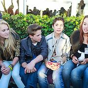 NLD/Loosdrecht/20130603 - Presentatie single jongensgroep Mainstreet voor Verschrikkelijke Ikke 2 , Nils Kaller en Rein van Duivenboden bij de fans