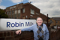 Brian Wainwright, ex Robert Glew employee.?.© Martin Jenkinson, tel 0114 258 6808 mobile 07831 189363 email martin@pressphotos.co.uk. Copyright Designs & Patents Act 1988, moral rights asserted credit required. No part of this photo to be stored, reproduced, manipulated or transmitted to third parties by any means without prior written permission