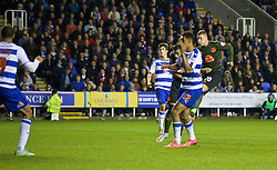 READING, ENGLAND - Tuesday, September 22, 2015: Everton's Ross Barkley scores the equalising goal against Reading during the Football League Cup 3rd Round match at the Madejski Stadium. (Pic by David Rawcliffe/Propaganda)