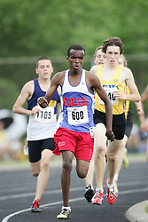 Hamilton, Ontario ---07/06/08--- Mohamed Souleiman of Esp Louis Riel in Gloucester competes in the 800 meters at the 2008 OFSAA Track and Field meet in Hamilton, Ontario..GEOFF ROBINS