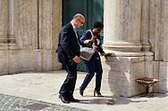 Roma 29 Aprile 2013..Il ministro dell'Integrazione Cecile Kyenge entra alla Camera dei Deputati dove si voto la fiducia al Governo Letta,e perde una scarpa.