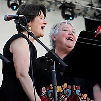 Jean Thomas-Fox / Mikie Harris (2011)