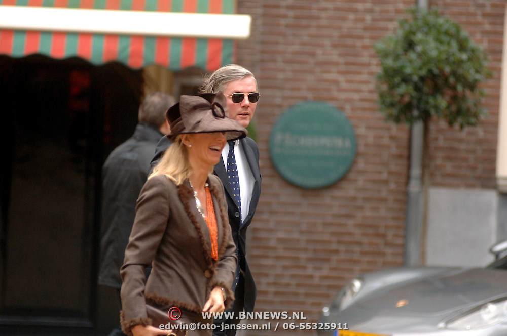 NLD/Amsterdam/20061111 - Huwelijk Christijan Albers en Liselore Kooijman, eigenaar Spyker, Victor Muller en partner